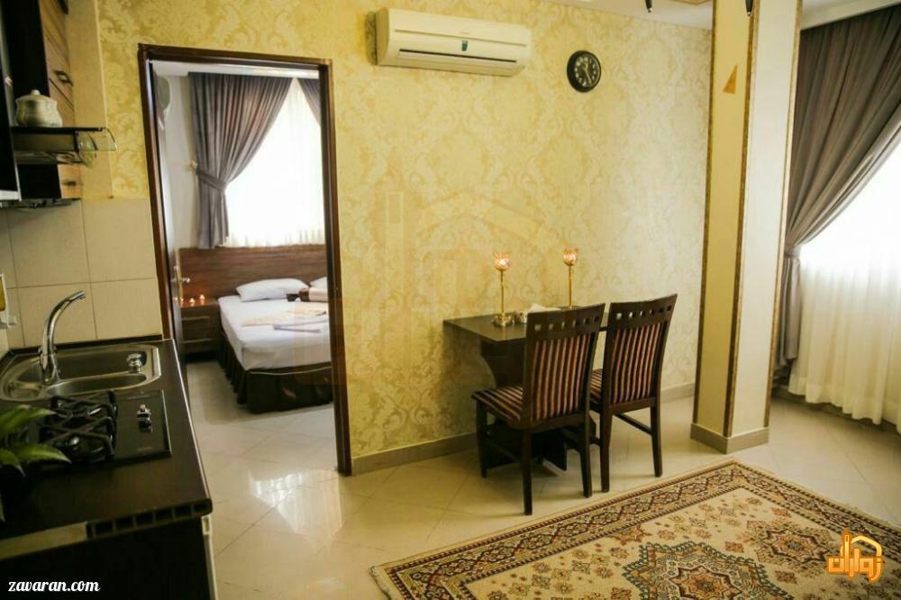 رزرو اتاق یک خوابه 4تخته مشرف به حرم در هتل آپارتمان سوره مشهد