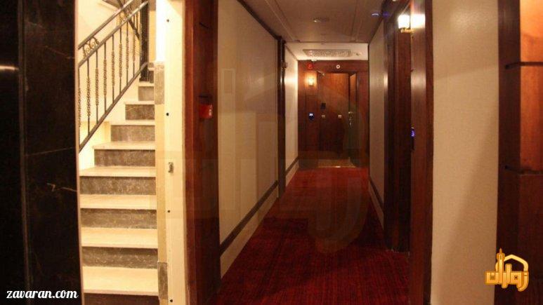 راهروهای هتل آدینا مشهد