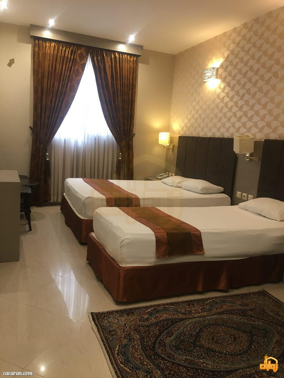 رزرو اتاق سه تخته هتل دیبا مشهد