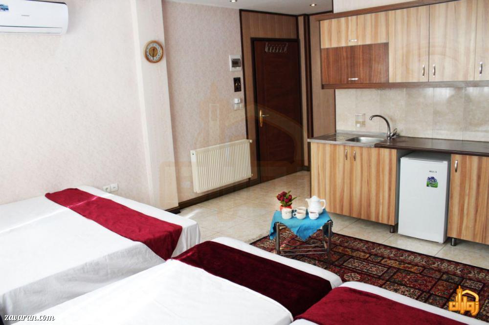 رزرو اتاق سه تخته هتل آپارتمان شکرانه مشهد