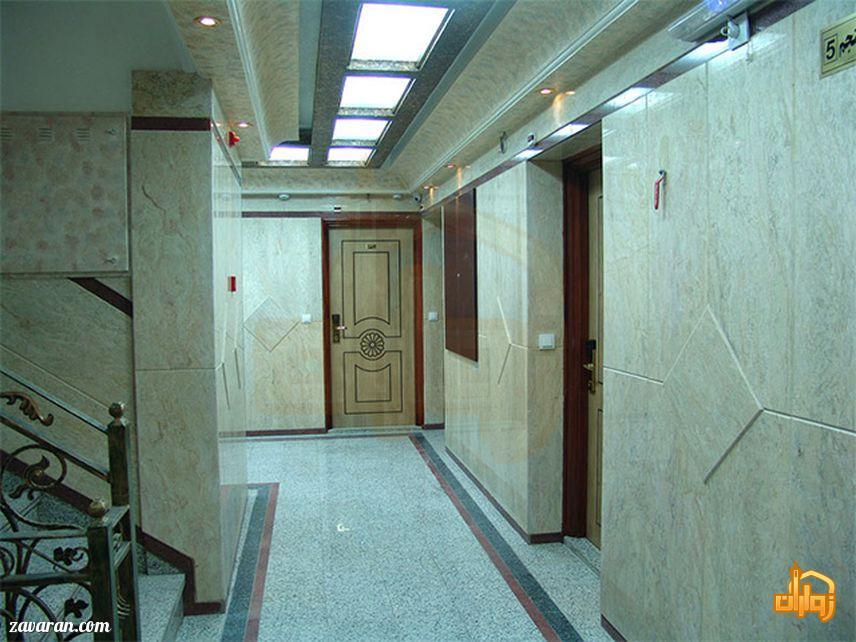 راهرو هتل آپارتمان فرات مشهد