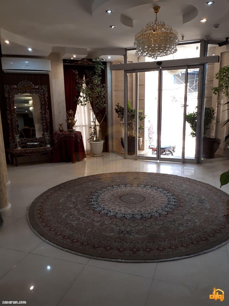 ورودی هتل آپارتمان ثقلین مشهد