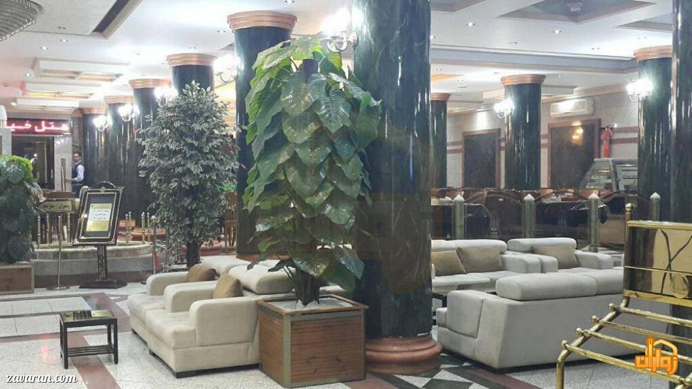 فضای داخلی و لابی هتل خیام مشهد