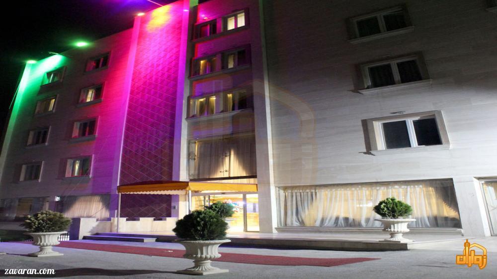 قیمت رزرو هتل بسطامی در مشهد برای عید98
