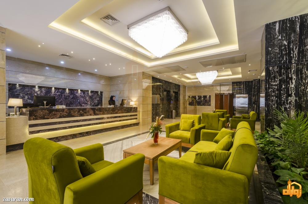 پذیرش و فضای داخلی هتل آپارتمان حیات شرق مشهد