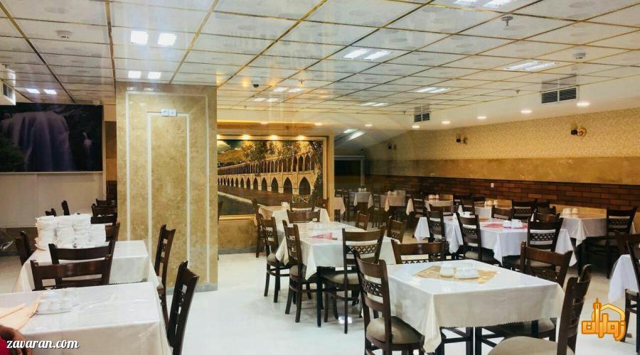 رستوران هتل سی و سه پل مشهد