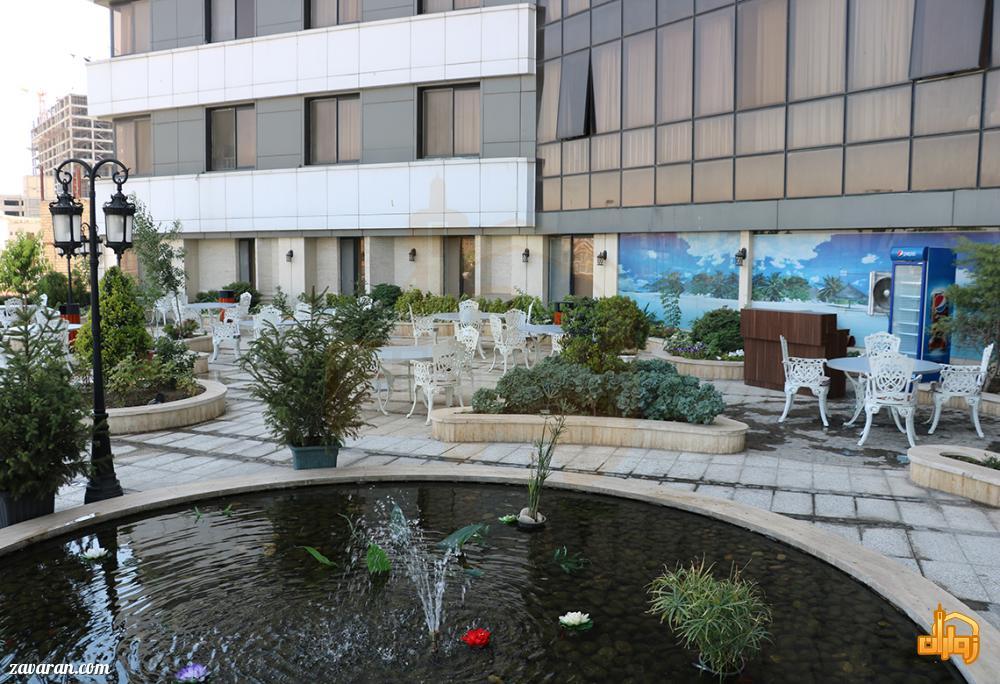 روف گاردن هتل سی نور مشهد