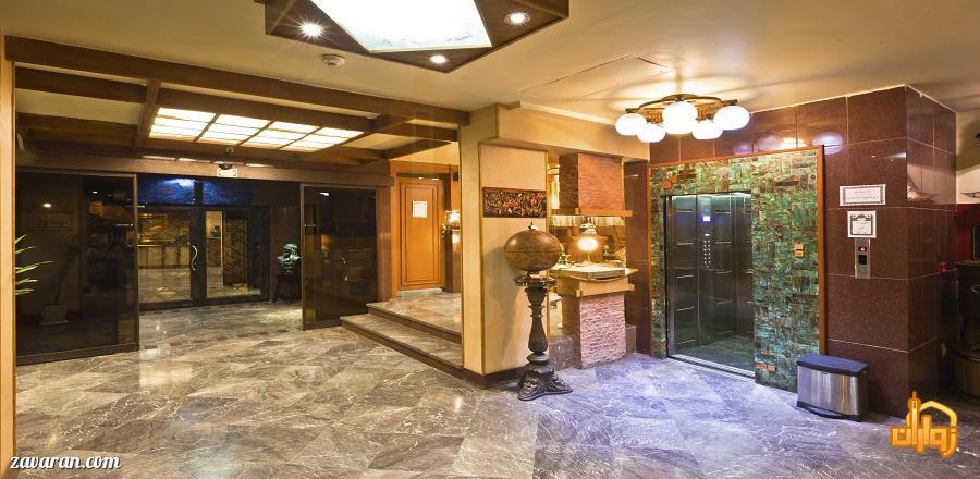 ورودی هتل آپارتمان ملل مشهد
