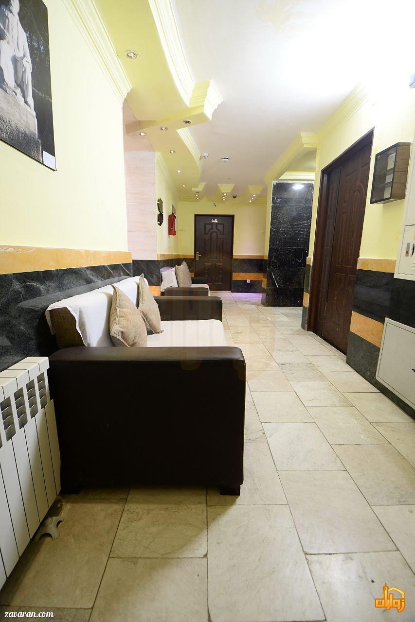 راهرو هتل آپارتمان پریا مشهد