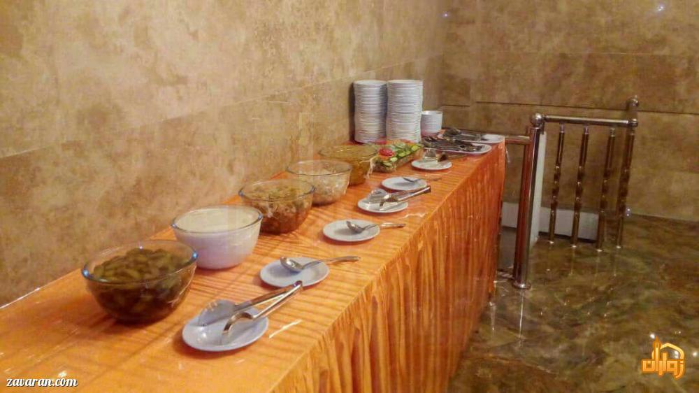 سالاد بار هتل آپارتمان دوستان مشهد