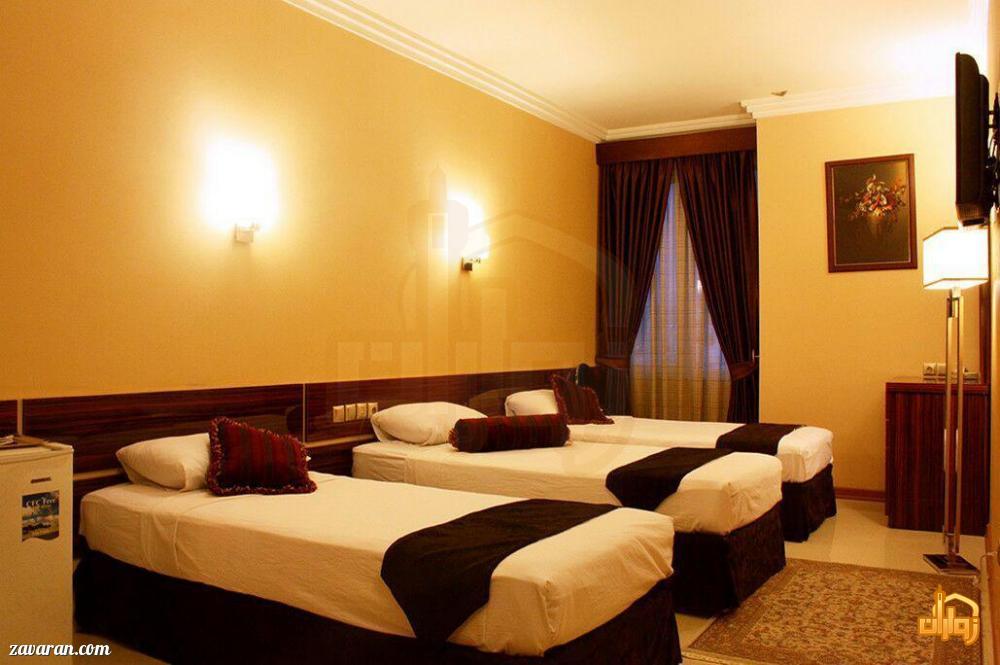 رزرو اتاق سه تخته هتل منجی مشهد