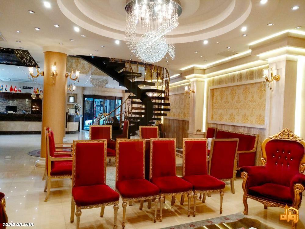 فضای داخلی هتل منجی مشهد
