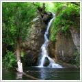 آبشار گرینه ییلاقی خنک برای فرار از گرمای تابستان